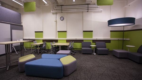 Furniture and whiteboards in UO Libraries' IDEA Space