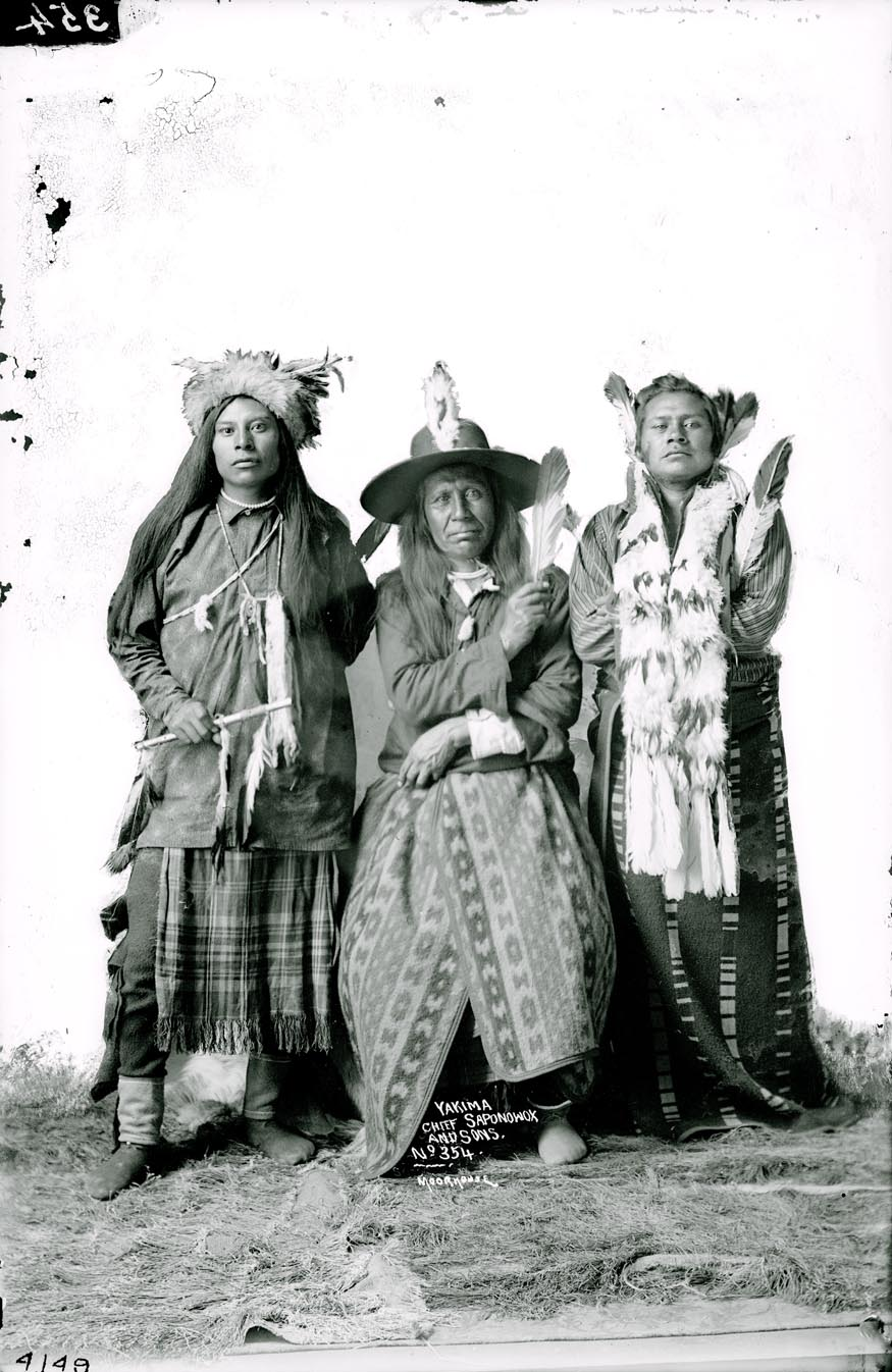 Saponowox, Yakima Indian, with two sons, in costume. Photo by Rutter, c.1910. Moorhouse collection, PH036-4149