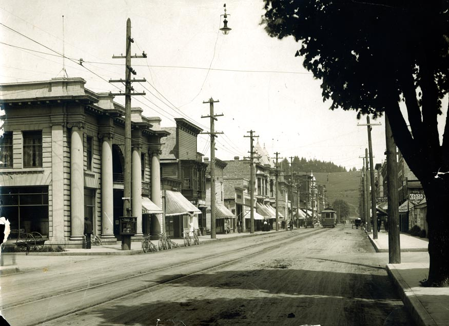 View of Willamette Street in Eugene, 1905. PH213-157.1
